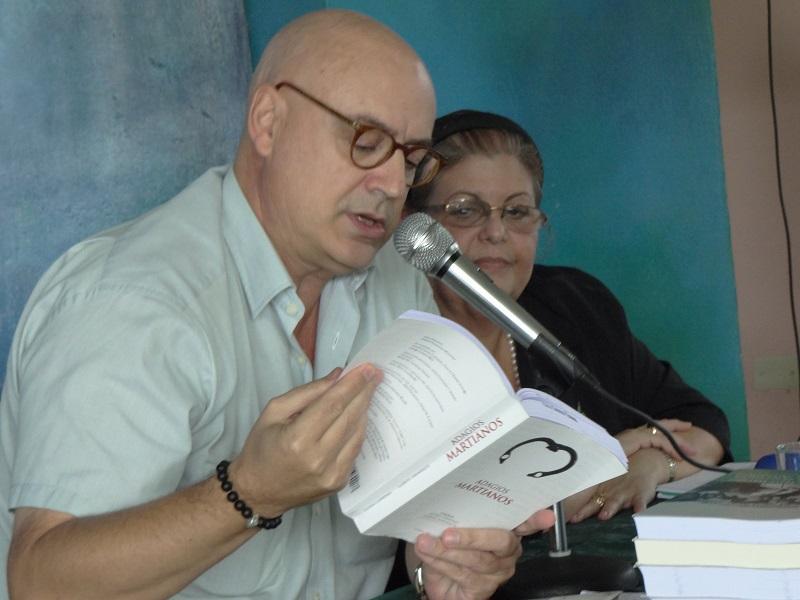 """Los autores presentan en la UCI la compilación """"Adagios Martianos""""."""