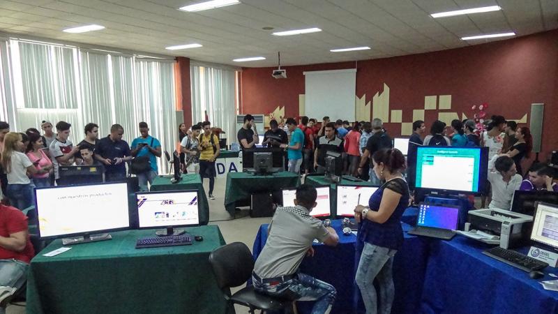Todos los centros de desarrollo de la Universidad de las Ciencias Informáticas presentaron sus productos y servicios en la Feria de productos y servicios de la UCI en II Jornada Científica del Ingeniero en Ciencias Informáticas (JICI).