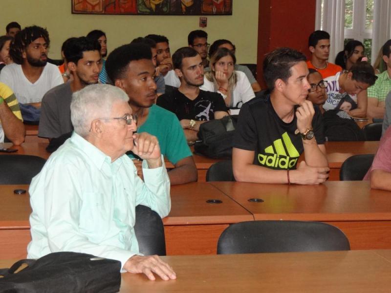 El auditorio demostró gran interés en el tema presentado.