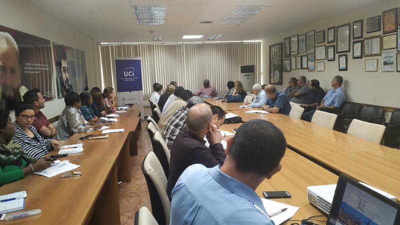 Durante el intercambio con los presentes, Salvador Valdés Mesa realizó un llamado a fortalecer el vínculo de las universidades con el sector productivo.