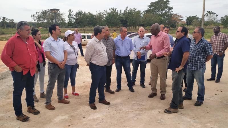 Salvador Valdés Mesa y los demás visitantes llegaron hasta al área del Parque Científico Tecnológico de La Habana.