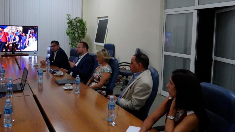 Los visitantes explicaron su interes en colaborar con la UCI.