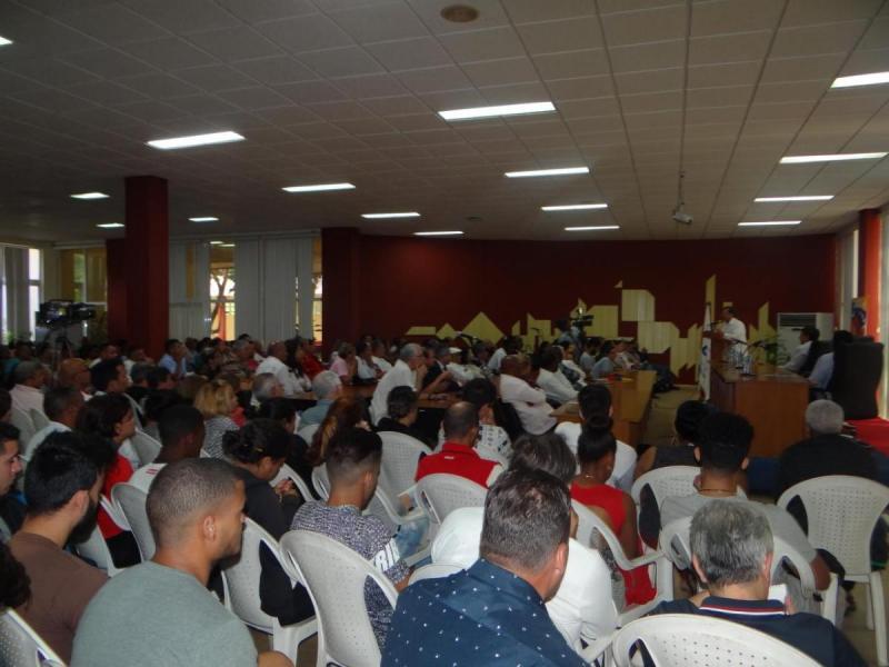 Adán Chávez recordó al auditorio los hechos acaecidos en Venezuela el 11 de abril de 2002.