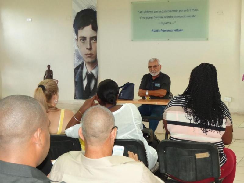 Reunión de delegaciones; la de Cuba representada por el Dr.C. Eugenio Carlos Rodríguez, profesor de la Universidad Técnica de La Habana José Antonio Echeverría (Cujae).