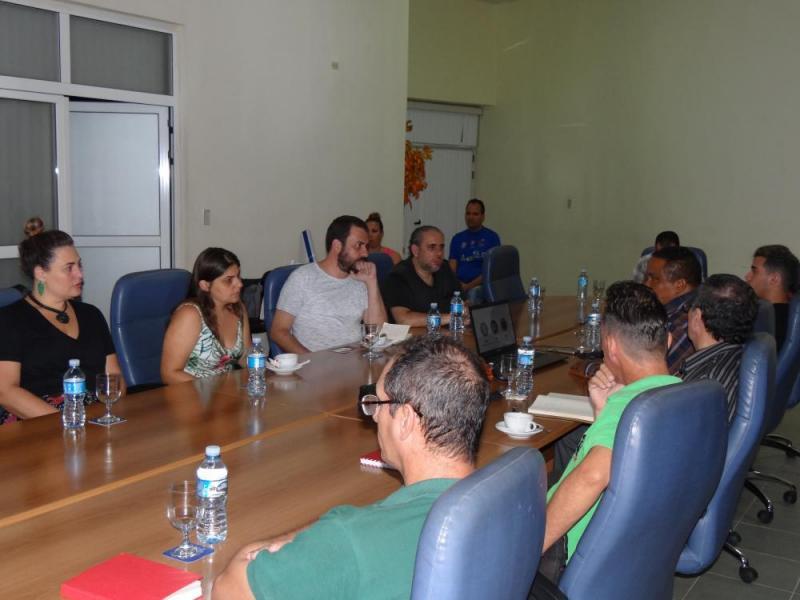 En el intercambio ambas partes presentaron sus experiencias en el tema de las redes sociales.