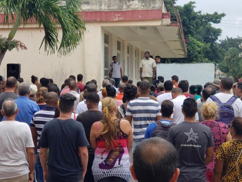 Los trabajadores, estudiantes y profesores rechazaron el bloqueo de Estados Unidos a Venezuela.