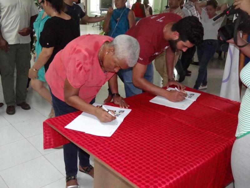 La comunidad universitaria realizó una recogida de firmas en contra de las medidas coercitivas de Estados Unidos contra Venezuela.