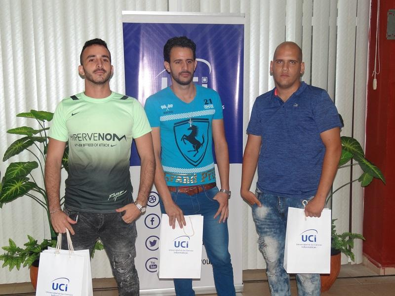 Equipo UPRising, tercer lugar de la sede UCI.