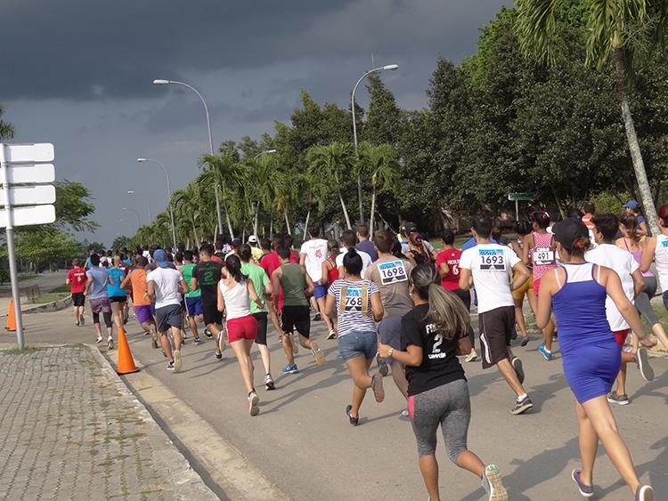 Escorpiones vencedores en maratón de los XIV Juegos Mella