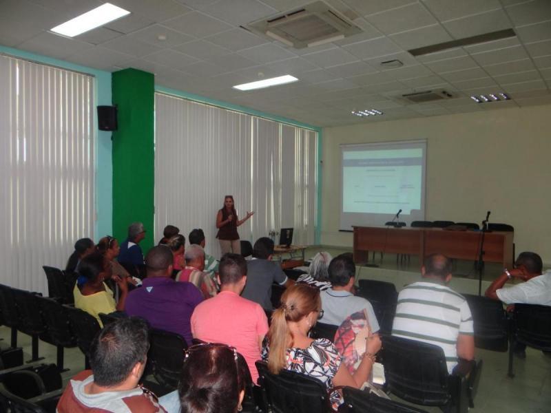 Se presentó el programa de acciones para actualizar Entorno Virtual de Aprendizaje (EVA) para el pregrado.