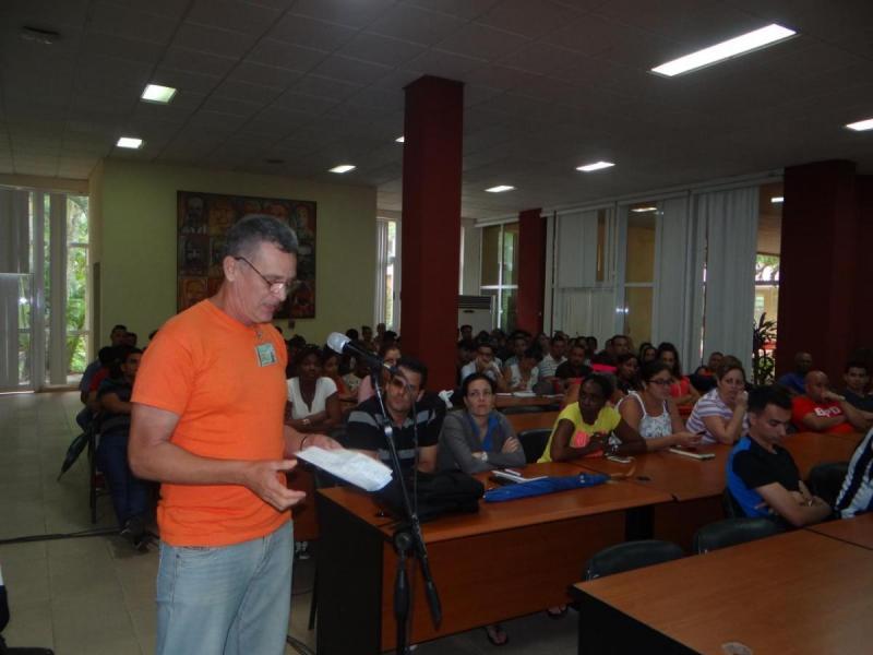 Trabajadores de la Facultad 1, la Vicerrectoría de Producción y la Dirección de Recursos Humanos en audiencia contra la Ley Helms-Burton.