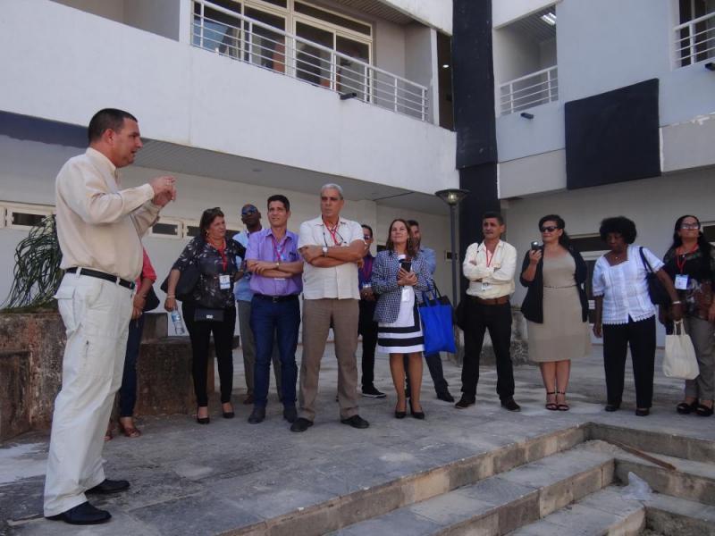 Los visitantes recibieron una explicación del Parque Científico Tecnológico de La Habana.