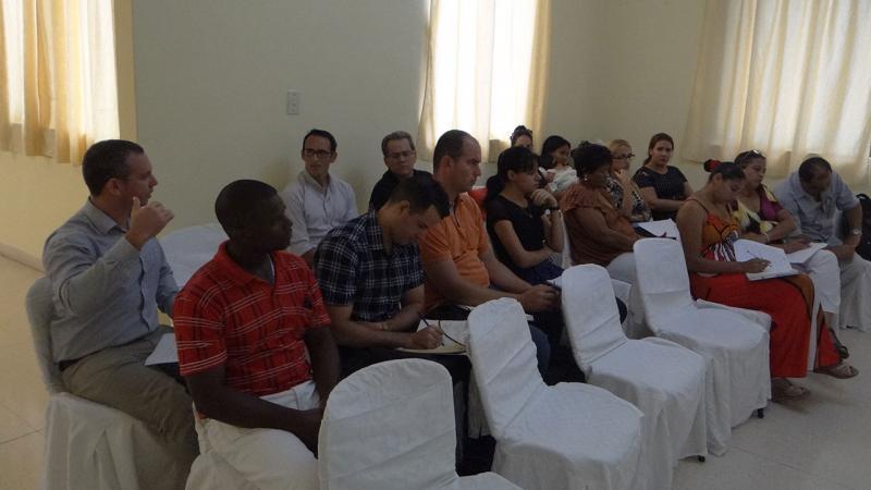 El público presente en la sesión del claustro emitió su criterio acerca del programa de la Maestría de Calidad de Software.
