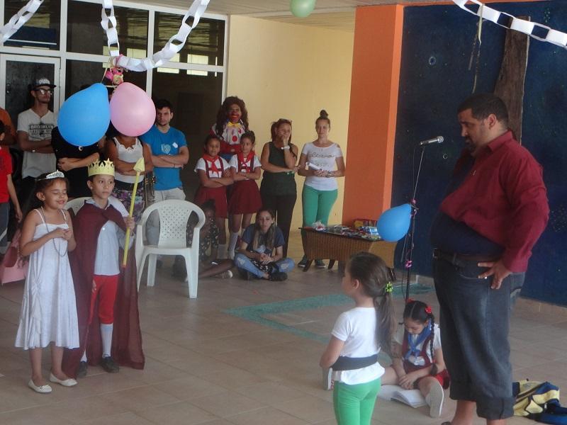 Actividad de la UCI para los niños de la Escuela Especial Solidaridad con Panamá.