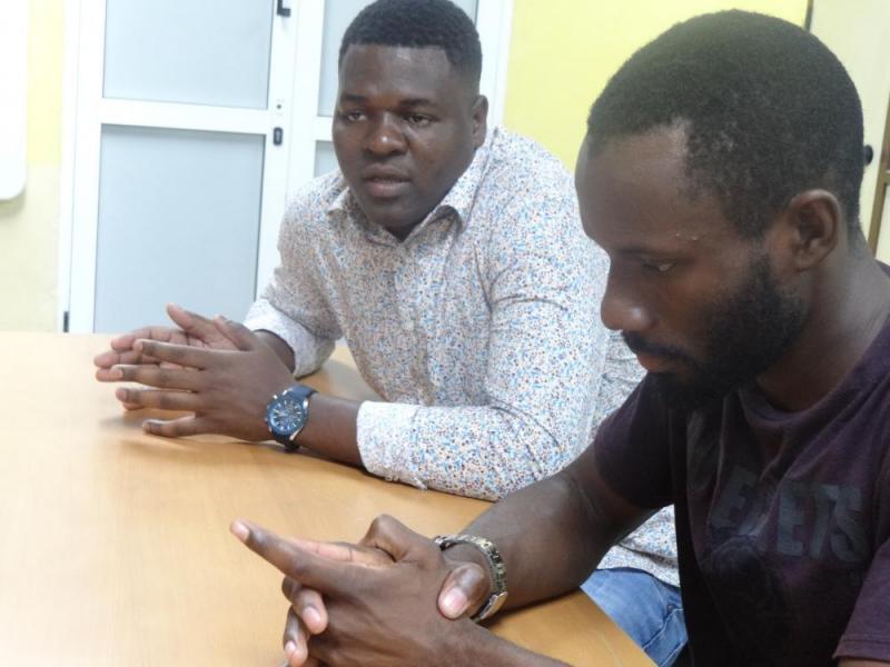 El estudiante angolano Adilson Junior Da Cruz Cardoso afirma que han sido bien atendidos y los profesores se preocupan por su salud