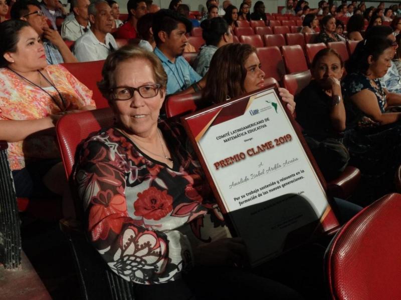 Anadila Isabel Ardila Acuña recibió el Premio Clame 2019.