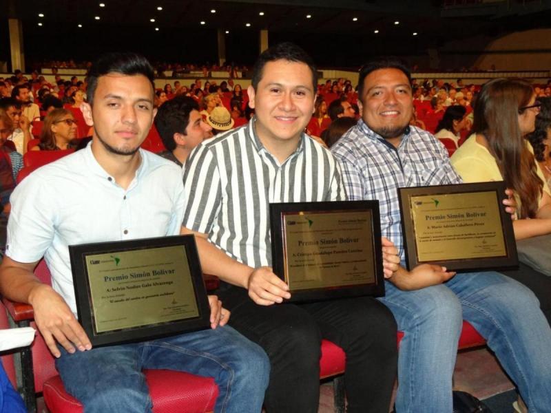 Merecedores del Premio Simón Bolívar.