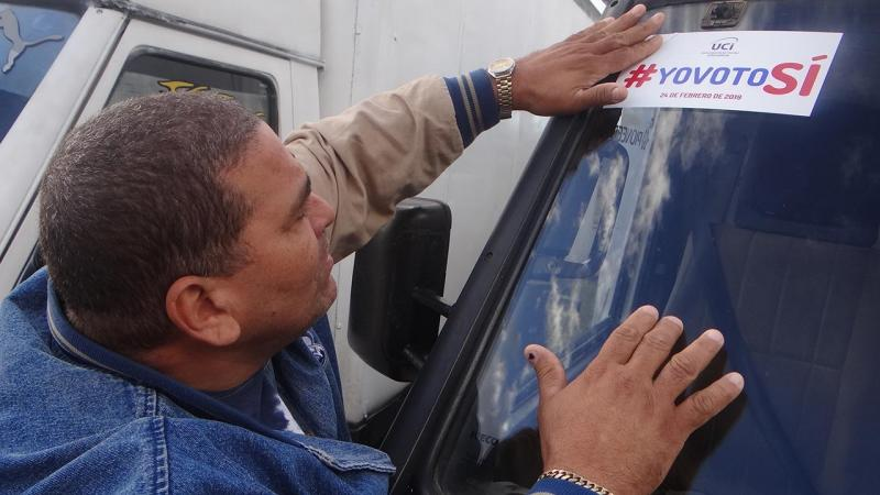 Transport Directorate workers demonstrated their support for the constitutional referendum