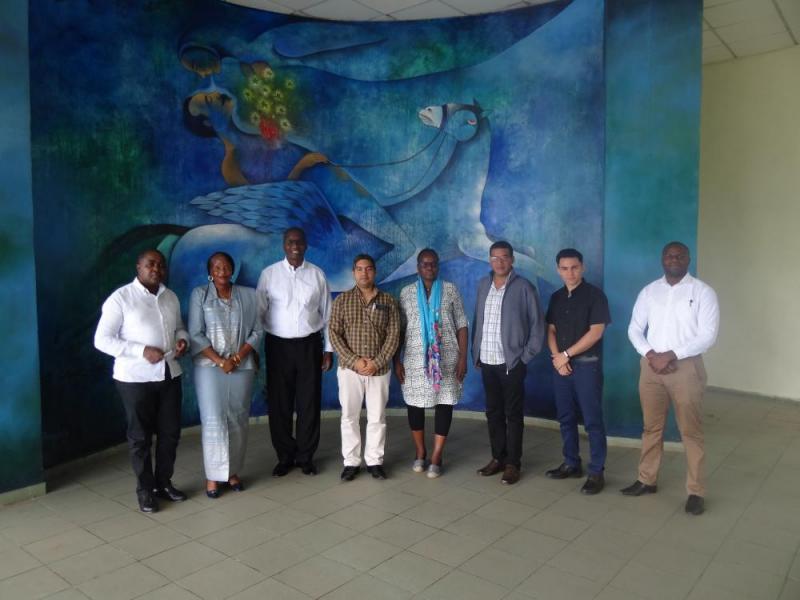 Visita oficial de empresarios mozambicanos a la UCI.