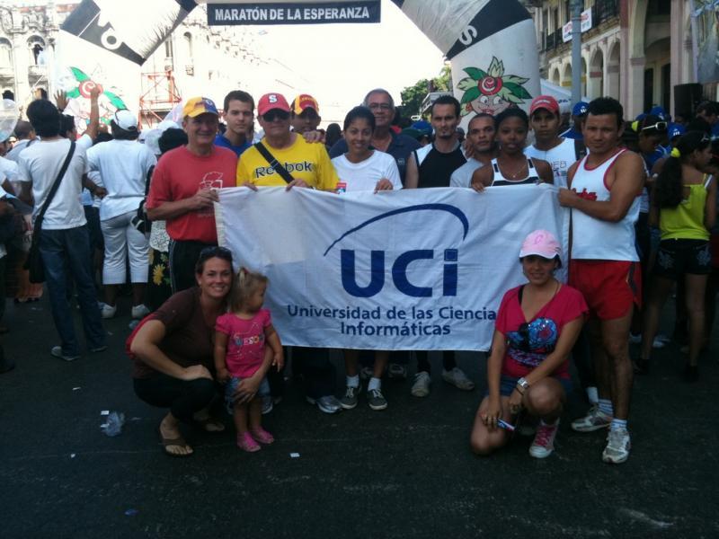 """Parte de la delegación de la UCI que asistió a la carrera """"Maratón de la Esperanza Terry Fox""""."""