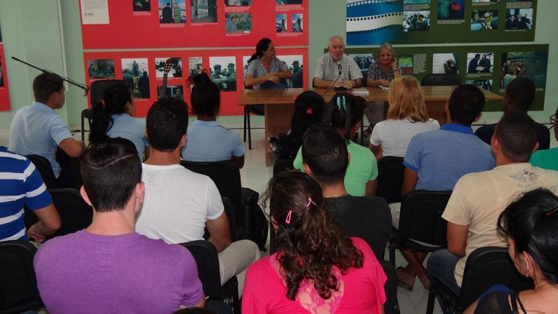 Conversatorio con los historiadores Adys y Froilán