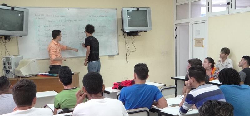 Preparar a los nuevos profesores, tarea de los más experimentados