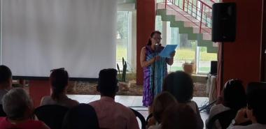 La presidenta de la Cátedra, MSc. María Caridad Ramírez, ofreció las palabras centrales del acto inaugural. Foto: Evelio Antonio Piedra Cueria