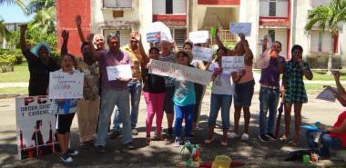 Trabajadores de la Residencia 2 listos para tomar caldosa y para demostrar su adhesión a la Revolución