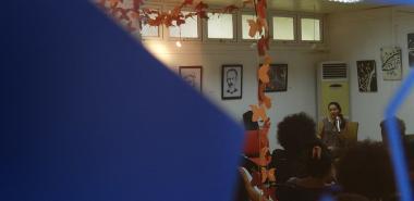 La peña Torres de Marfil se desarrolló en la galería de arte después de la inauguración de la exposición de artes plásticas