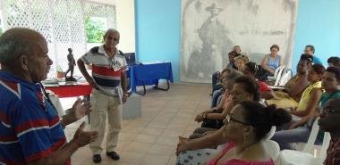 Representantes de la Cátedra Honorífica Ernesto Che Guevara de la Facultad 3 comparten las acciones de acercamiento de la historia a estudiantes de la UCI y a adolescentes de escuelas secundarias básicas cercanas a la Universidad
