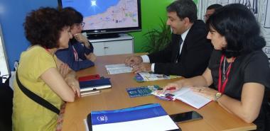 El rector de la Universidad, Dr.C. Walter Baluja García, se reunió con su homóloga de la Universidad de Huelva, Dra.C. María Antonia Peña Guerrero. Foto: Abel Castillo Noriega