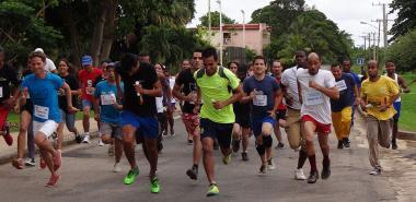Con la carrera de maratón desde el Gimnasio arrancaron los Juegos Deportivos de Trabajadores