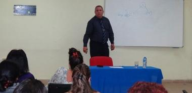 Dr. Tamayo Turcios  delivered a lecture on drug prevention at UCI