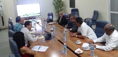 Vicerrector Primero de la UCI realiza presentación de la Universidad para la delegación de Yemen.