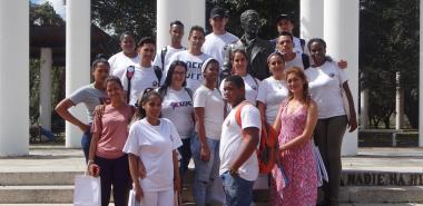 Delegados de La Lisa a la Asamblea Provincial del XI Congreso de la UJC en la Plaza Mella.