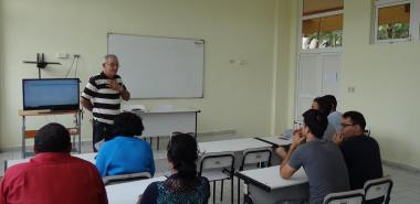 El Dr.C. Manuel Villanueva Betancourt imparte conferencia sobre el funcionamiento de la mente