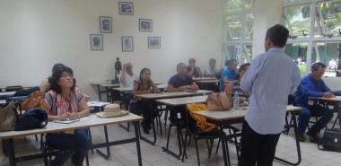 Delegados asisten a cursos impartidos durante el evento
