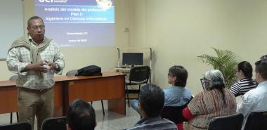 El Dr.C. José Ortiz Rojas, director de Formación de Pregrado de la UCI, dirigió el Concentrado Metodológico