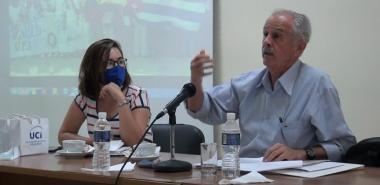 Exembajador de Cuba en Venezuela dialoga sobre Fidel y Chávez en la UC.