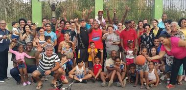 Integrantes de los CDR 9 y 10, quienes unidos disfrutaron de esta primera fiesta deportiva de la comunidad