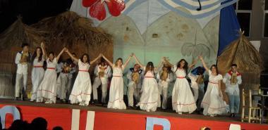 La facultad más joven del centro tomó la escena presentando un espectáculo cargado de cubanía