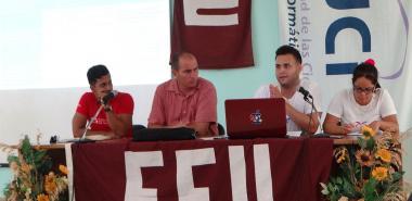 El Presidente de la FEU leyó el informe de los principales planteamientos de las 21 brigadas que conforman la Facultad 1.
