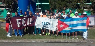 Delegación de la UCI que participó en la media maratón.
