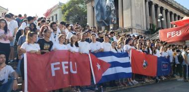 Los jóvenes de la UCI recuerdan a los mártires del 27 de Noviembre