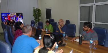 En el Salón de la Maqueta, la directora de Posgrado de la UCI, Dra.C. Roxana Cañizares González, ofreció la bienvenida al catedrático español