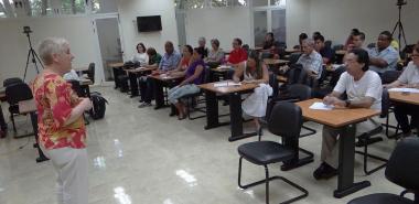 """Conferencia sobre la """"Investigación aplicada a los datos cualitativos"""" impartida por la Dra.C. Elba Gutiérrez Santiuste, de la Universidad de Córdoba, España"""