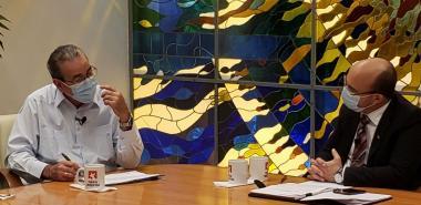 Ministro de Educación Superior durante su intervención en la Mesa Redonda junto a Randy Alonso