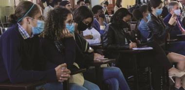 Los jóvenes tendrán diversas vías para obtener los materiales para ir avanzando en las asignaturas.