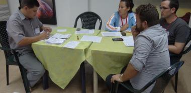 Integrantes de la mesa electoral de la circunscripción 86, Distrito 1, municipio de La Lisa, durante la primera etapa de las elecciones generales 2017-2018
