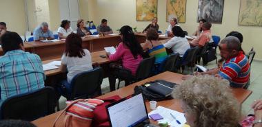 Representantes de universidades y expertos en la Educación a Distancia en Cuba debaten durante el II Taller Nacional de Educación a Distancia que sesiona en la UCI hasta este 18 de mayo.